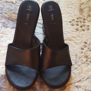 Basic wedge shoes